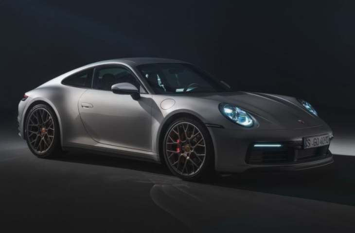 2019 Porsche 911 Carrera 4 photo - 1
