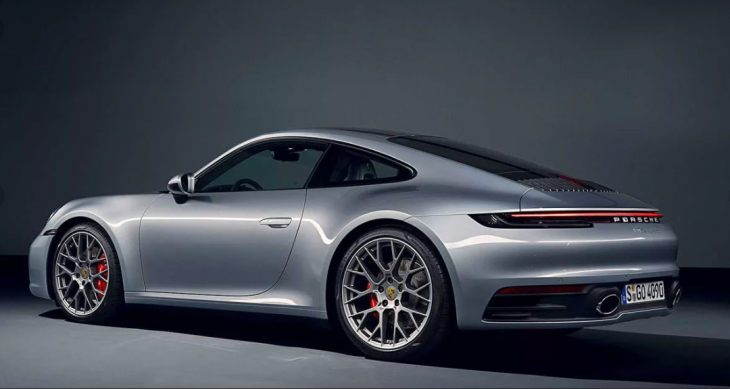 2019 Porsche 911 Carrera 4 photo - 5