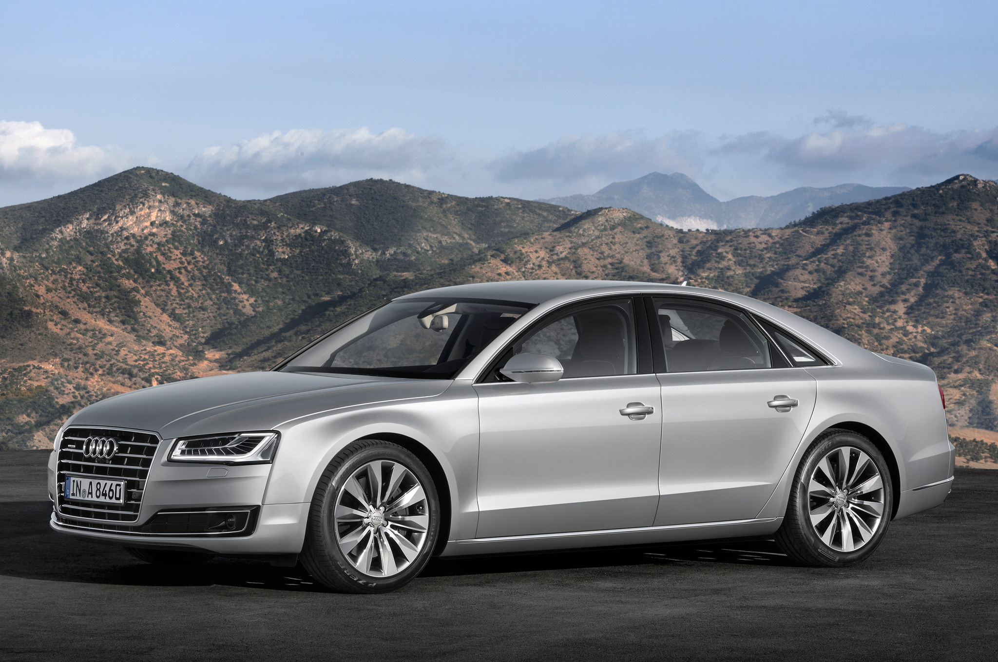 2015 audi a8 reviews photos video and price hiclasscar. Black Bedroom Furniture Sets. Home Design Ideas