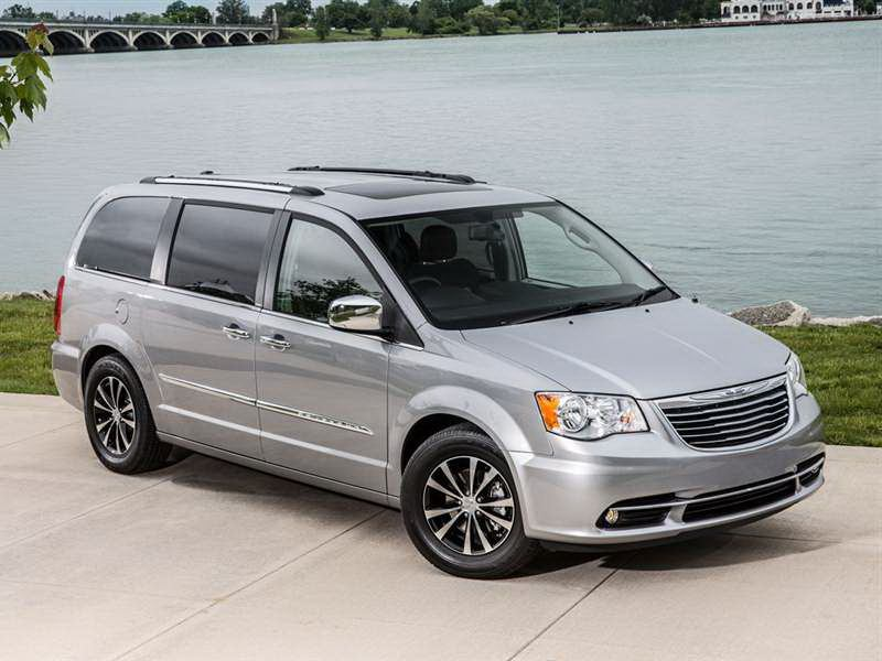 2015 chrysler town country reviews photos video and price hiclasscar. Black Bedroom Furniture Sets. Home Design Ideas