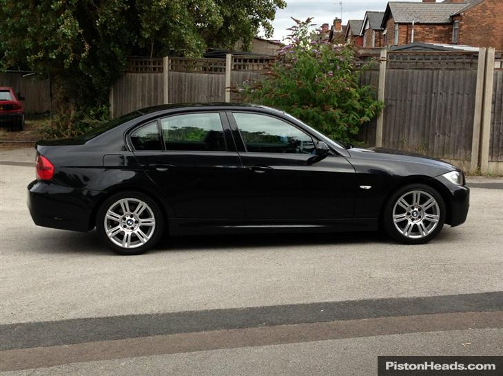 black bmw 320d for sale photo - 5