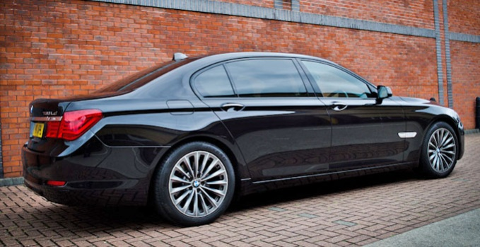 black bmw 7 series photo - 1