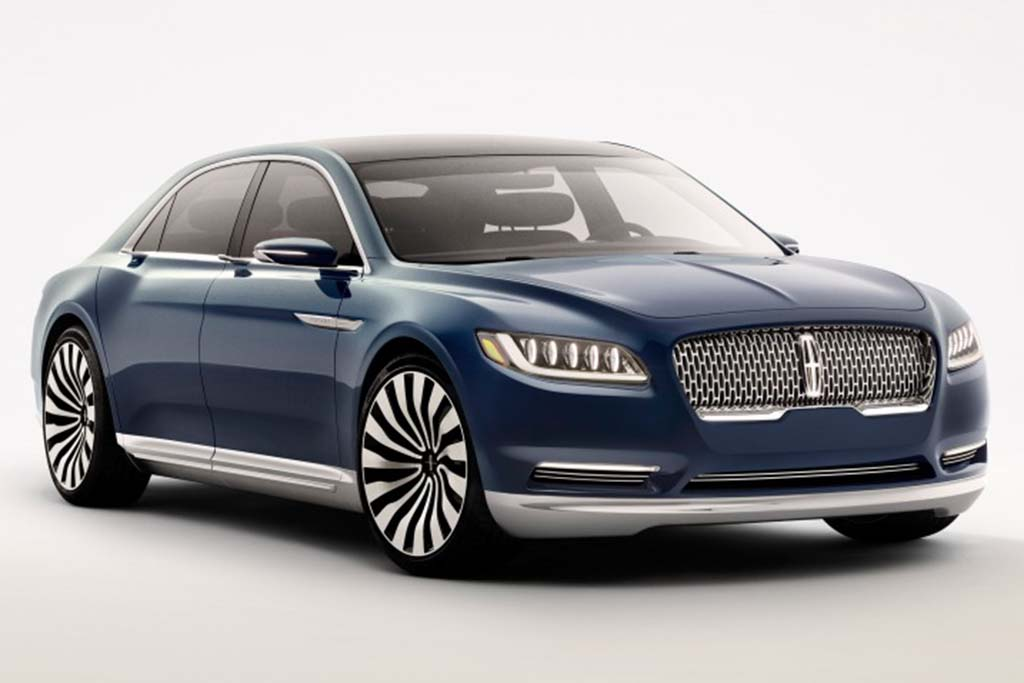 2017 Lincoln Town Car Photo 1