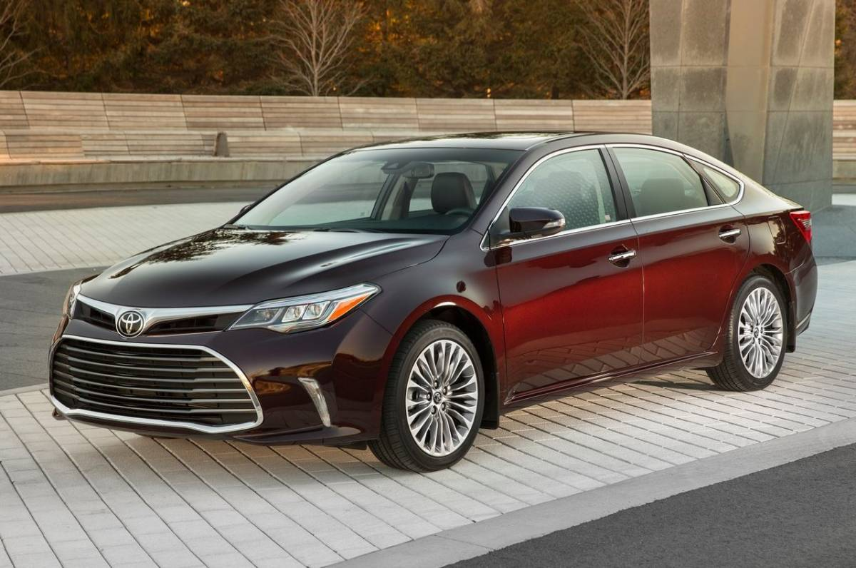 2017 Toyota Avalon Photo 1