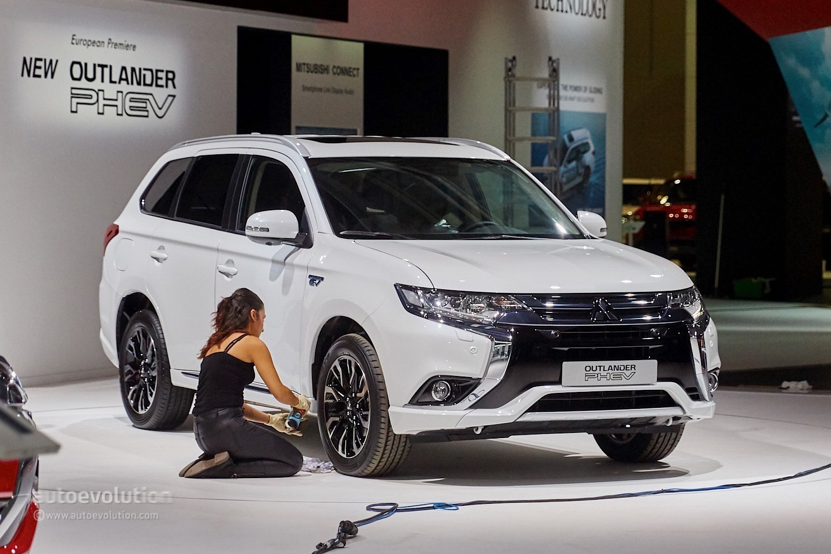 2018 mitsubishi outlander phev. interesting phev 2018 mitsubishi outlander european version and mitsubishi outlander phev