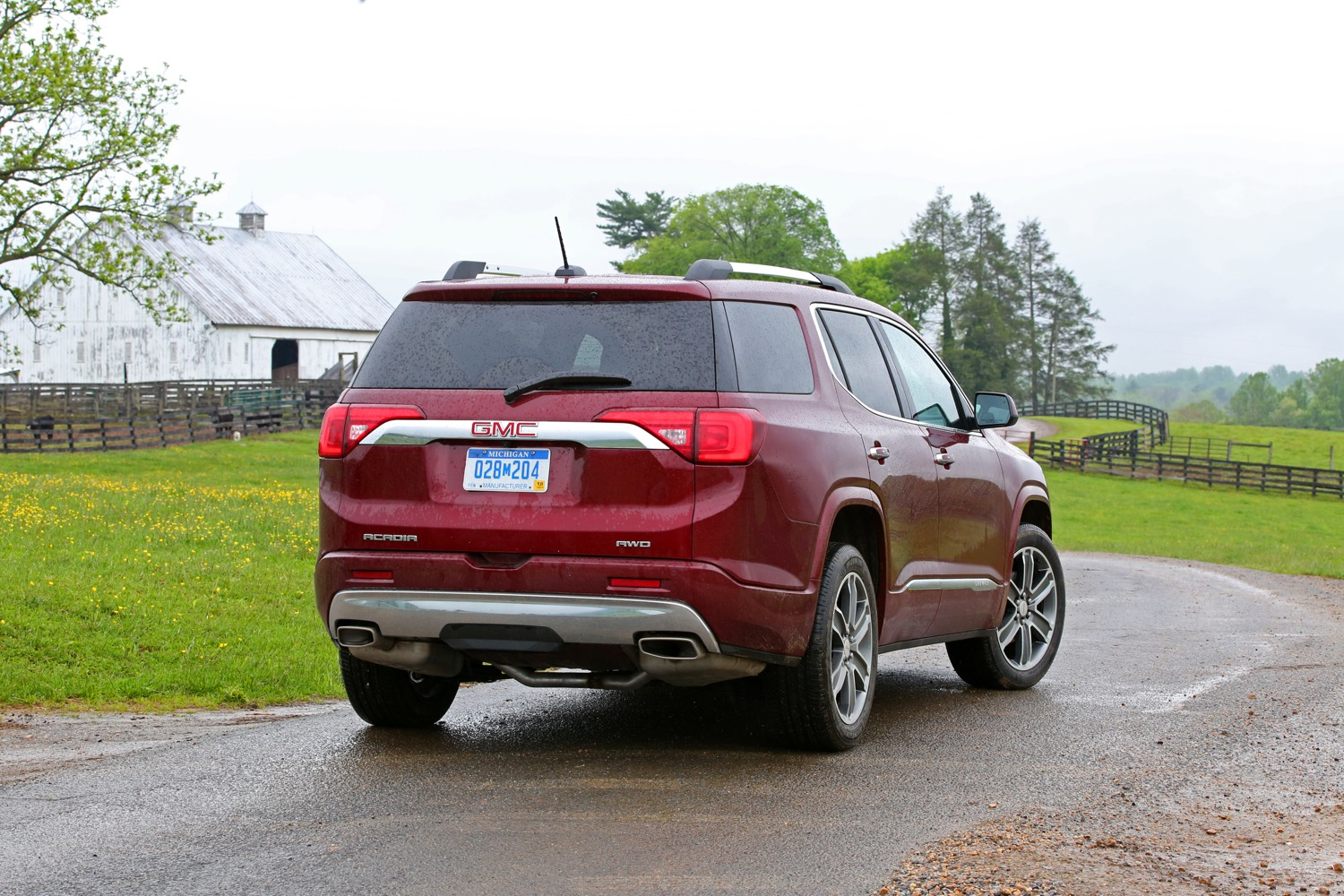 The 2019 Gmc Acadia A Smooth Midsize Suv Toth Buick Gmc Of Akron Ohio