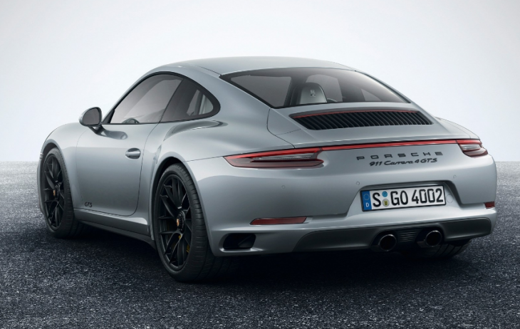 2019 Porsche 911 Carrera 4 photo - 4