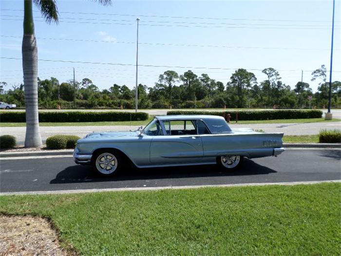 1960 Ford Thunderbird photo - 1