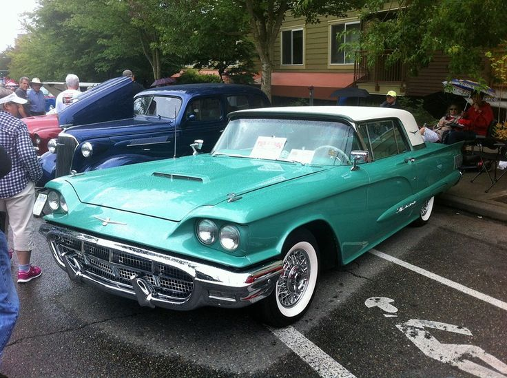 1960 Ford Thunderbird photo - 2
