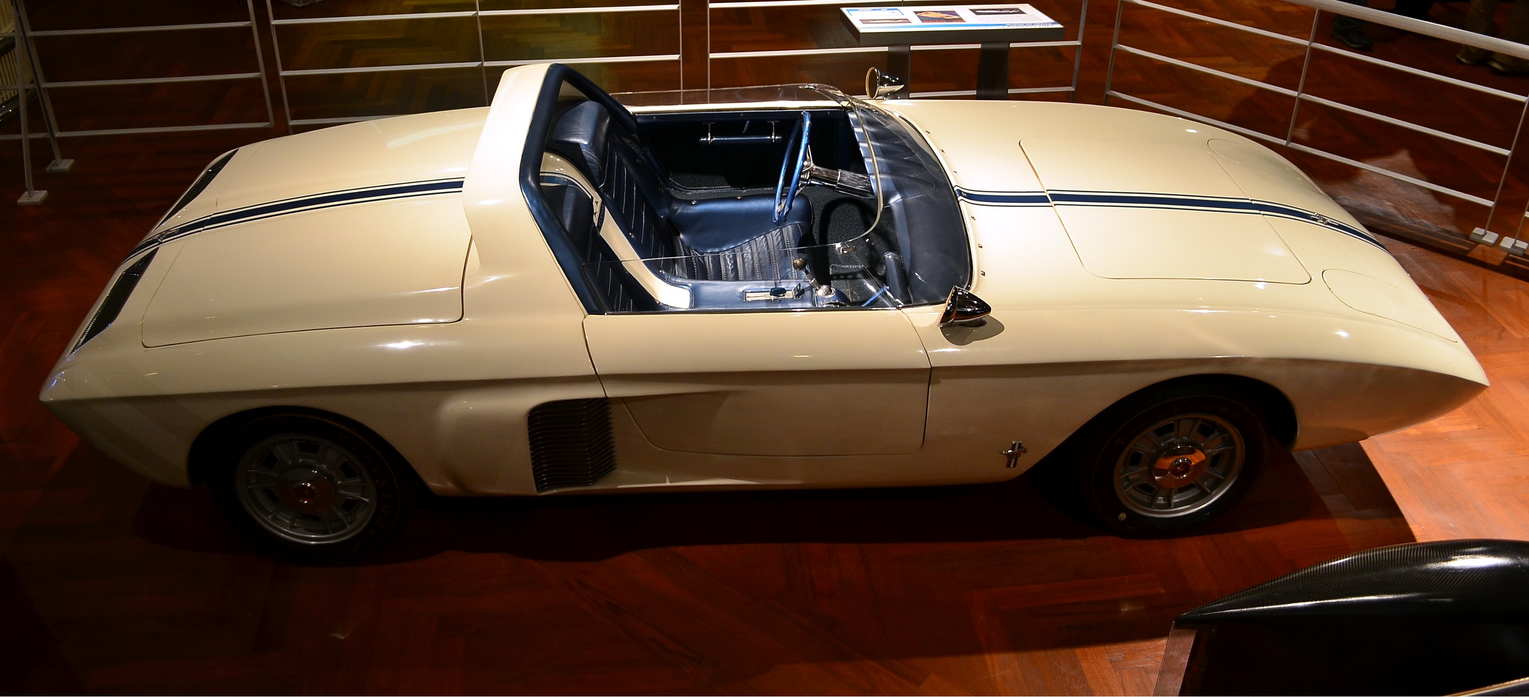1962 Ford Mustang Roadster Concept Car photo - 1