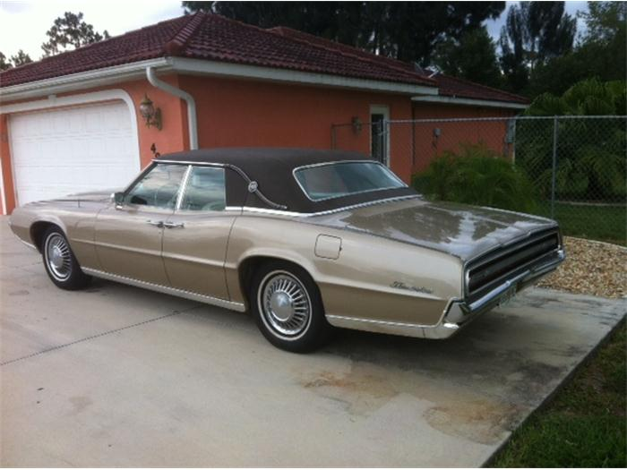 1967 Ford Thunderbird photo - 2