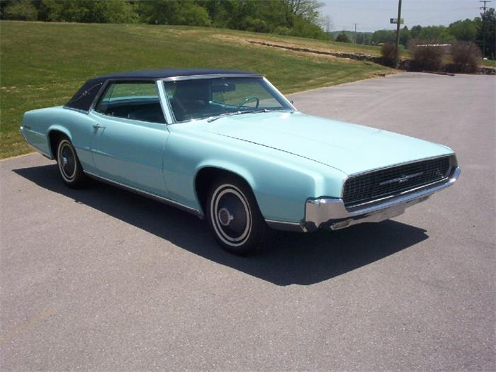 1967 Ford Thunderbird photo - 3