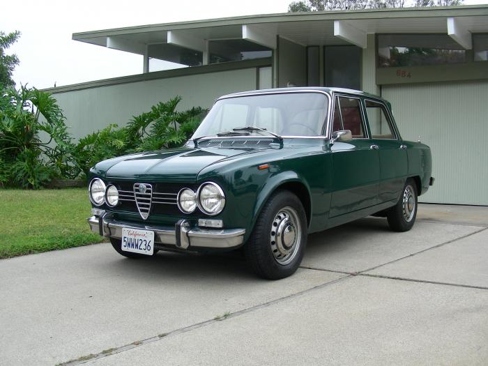 1969 Alfa Romeo Giulia Coupe GT Junior Z photo - 1