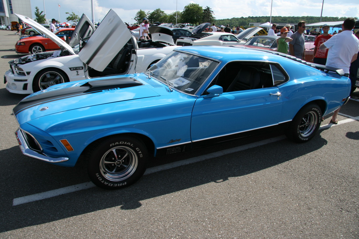 1970 Ford Mustang photo - 3