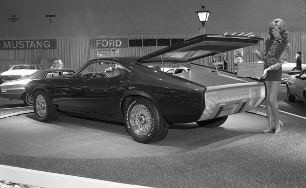 1970 Ford Mustang Milano Concept photo - 1