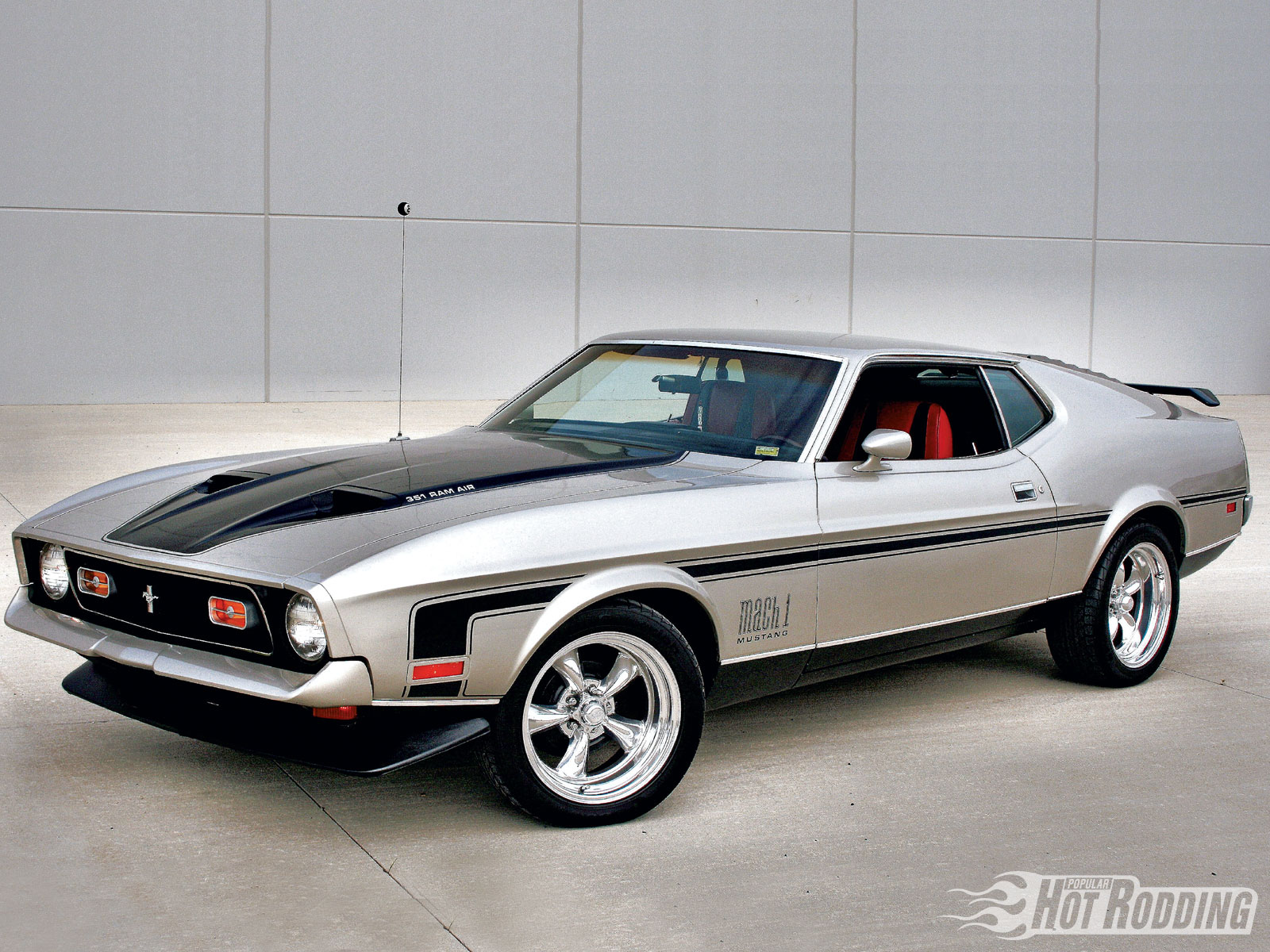 1972 Ford Mustang Mach 1 photo - 2
