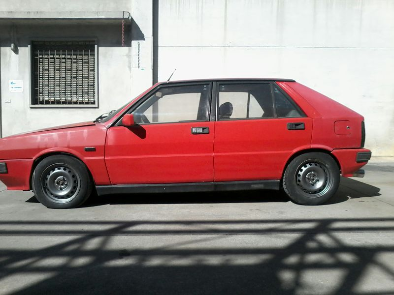 http://www.hiclasscar.com/wp-content/uploads/images/1986-lancia-delta-hf-4wd-3.jpg