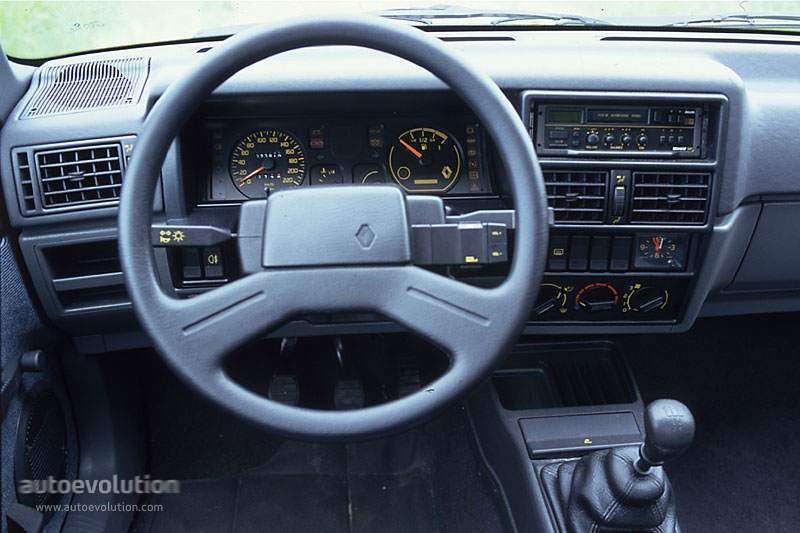 1988 Renault 19 16S 3 door photo - 3