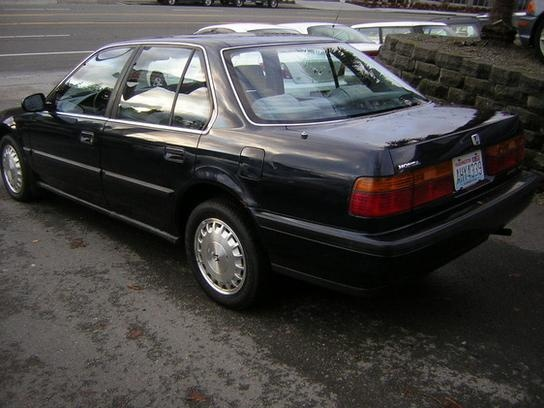 1990 Honda Accord Sedan photo - 2