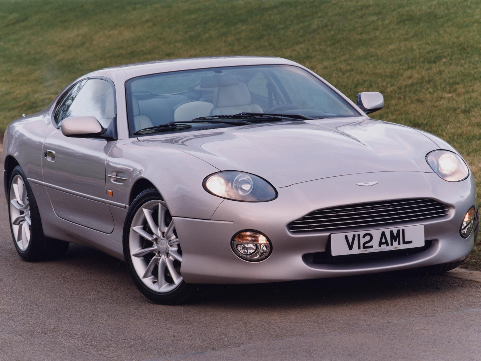 1994 Aston Martin DB7 photo - 1