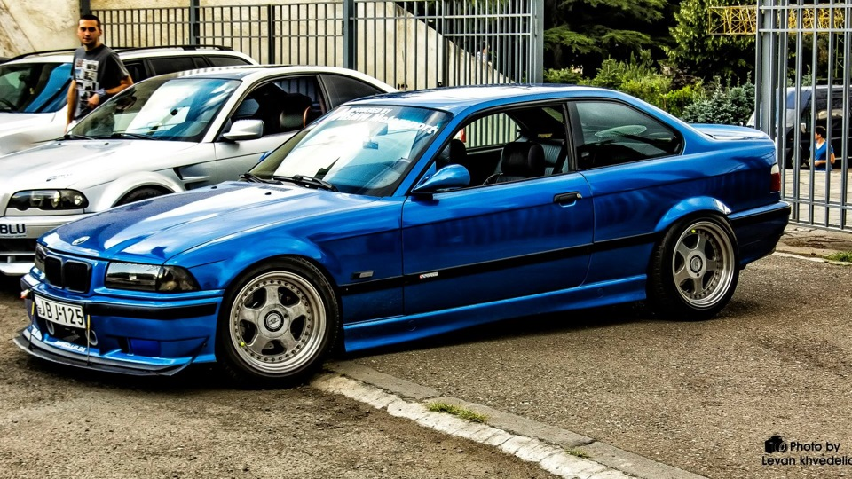 1996 BMW 3 Series Coupe photo - 1