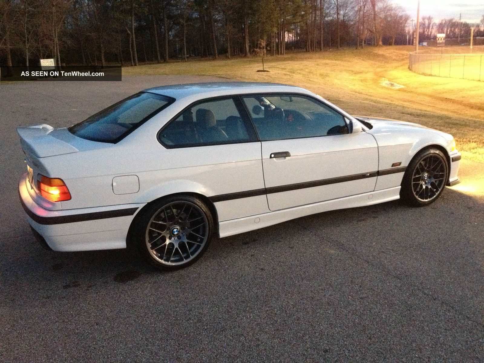 1996 BMW 3 Series Coupe photo - 2