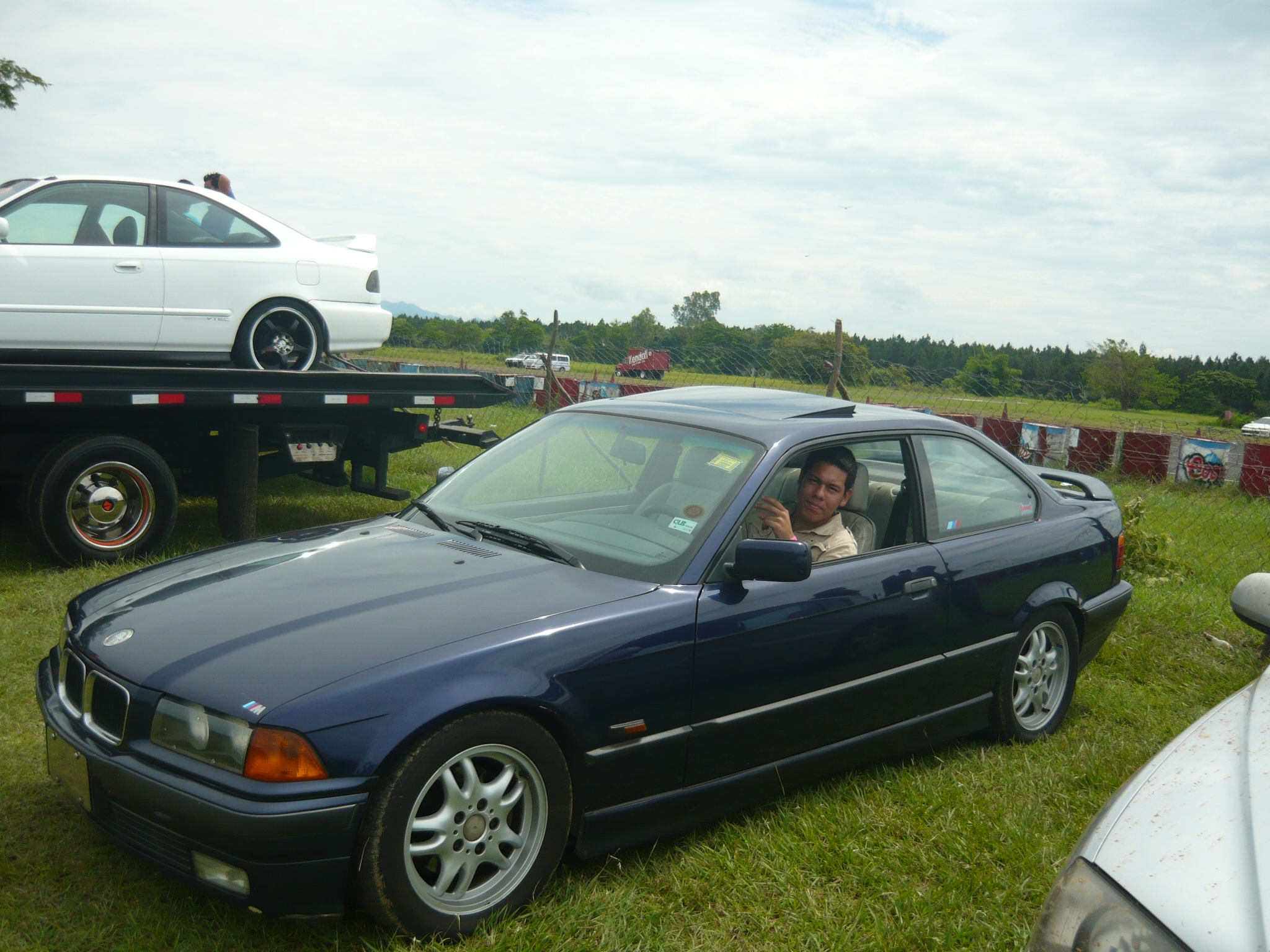 1996 BMW 3 Series Coupe photo - 3