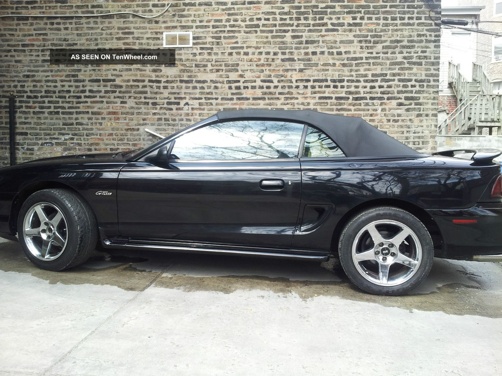 1996 Ford Mustang GT photo - 1