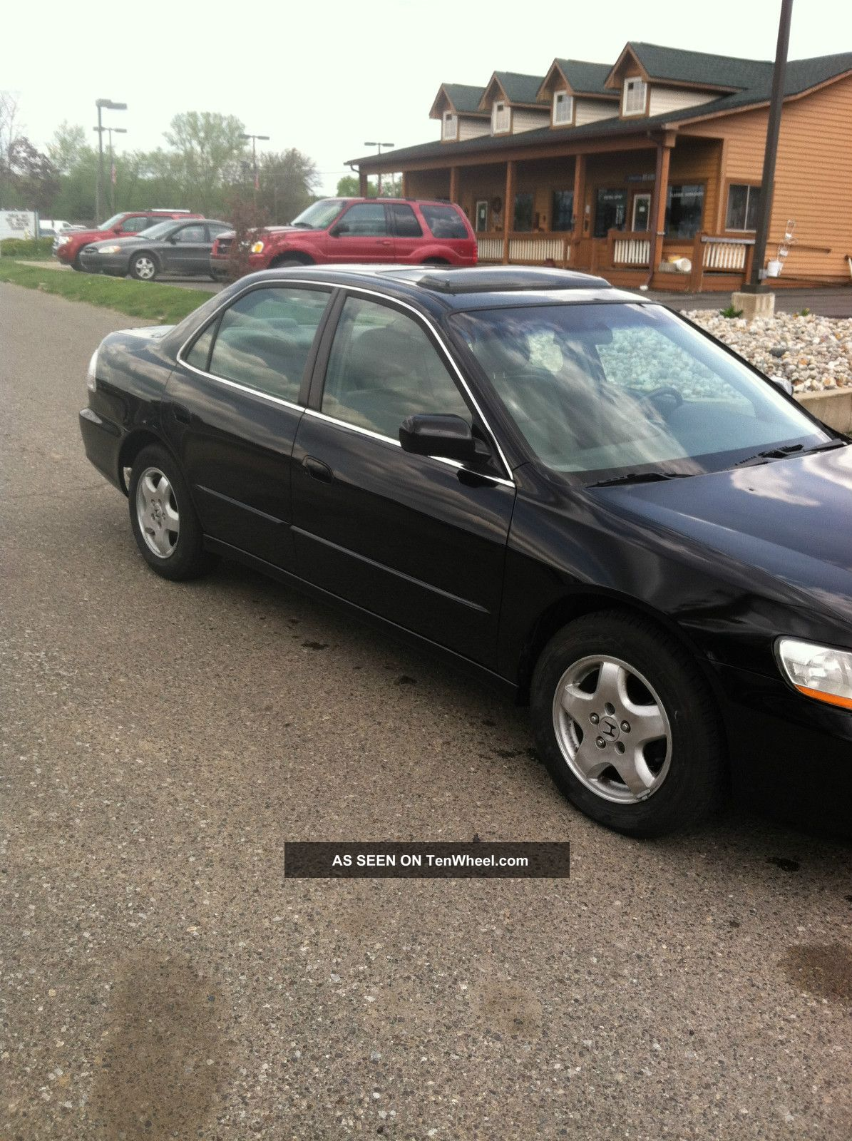 1998 Honda Accord Sedan photo - 1
