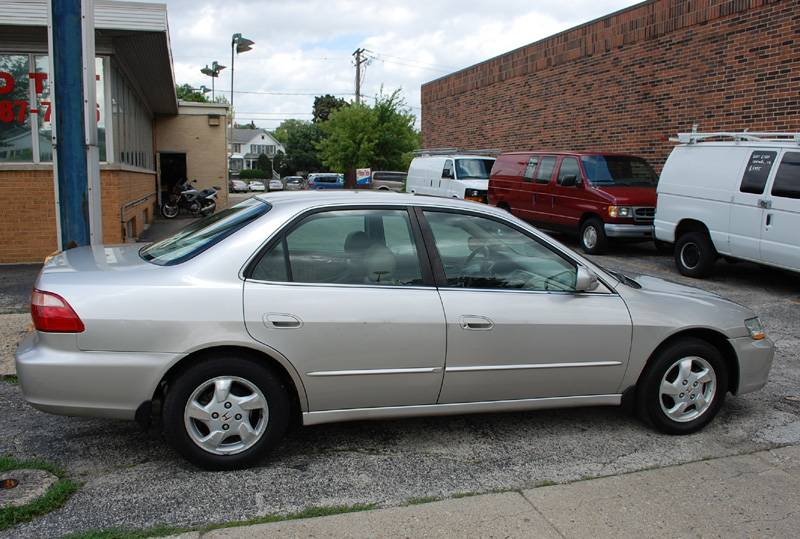 1998 Honda Accord Sedan photo - 3