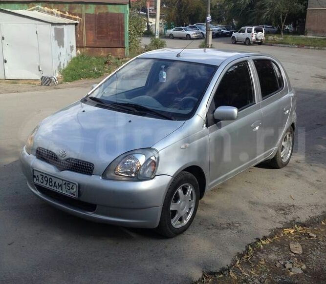 1999 Toyota Yaris photo - 2