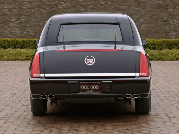 2001 Cadillac DeVille Presidential Limousine photo - 3
