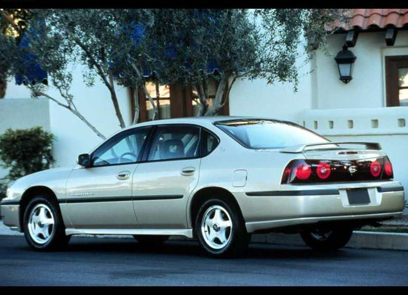 2001 Chevrolet Impala Police Package photo - 2