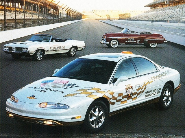 2001 Oldsmobile Aurora Indy Pace Car photo - 3
