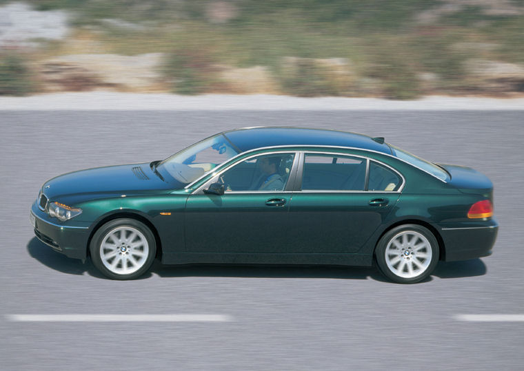 2002 BMW 7 Series photo - 3
