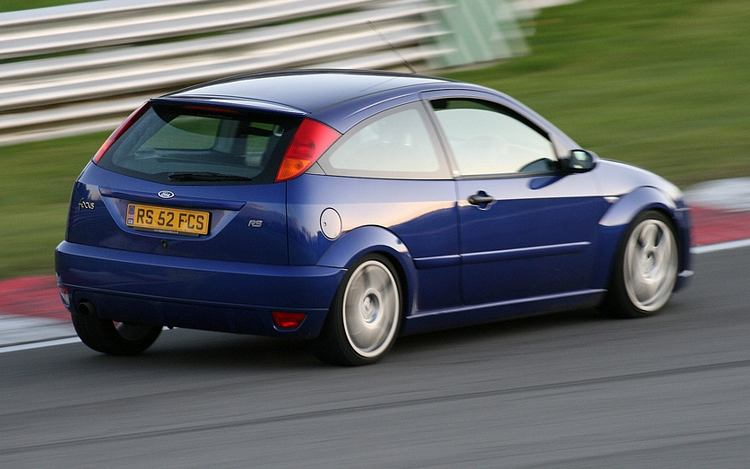2002 Ford Focus RS photo - 3