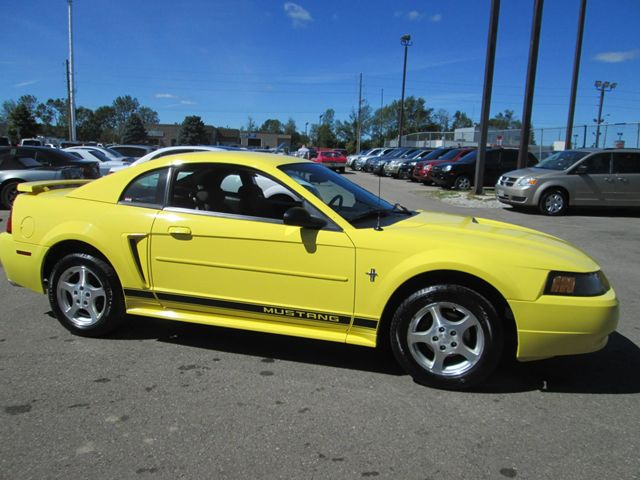 2002 Ford Mustang photo - 2