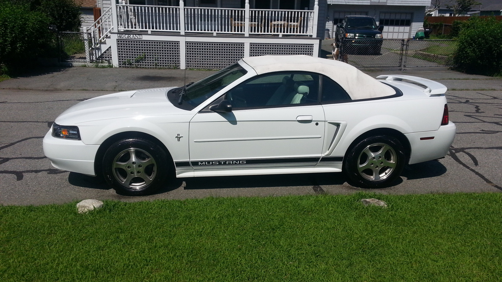 2002 Ford Mustang photo - 3