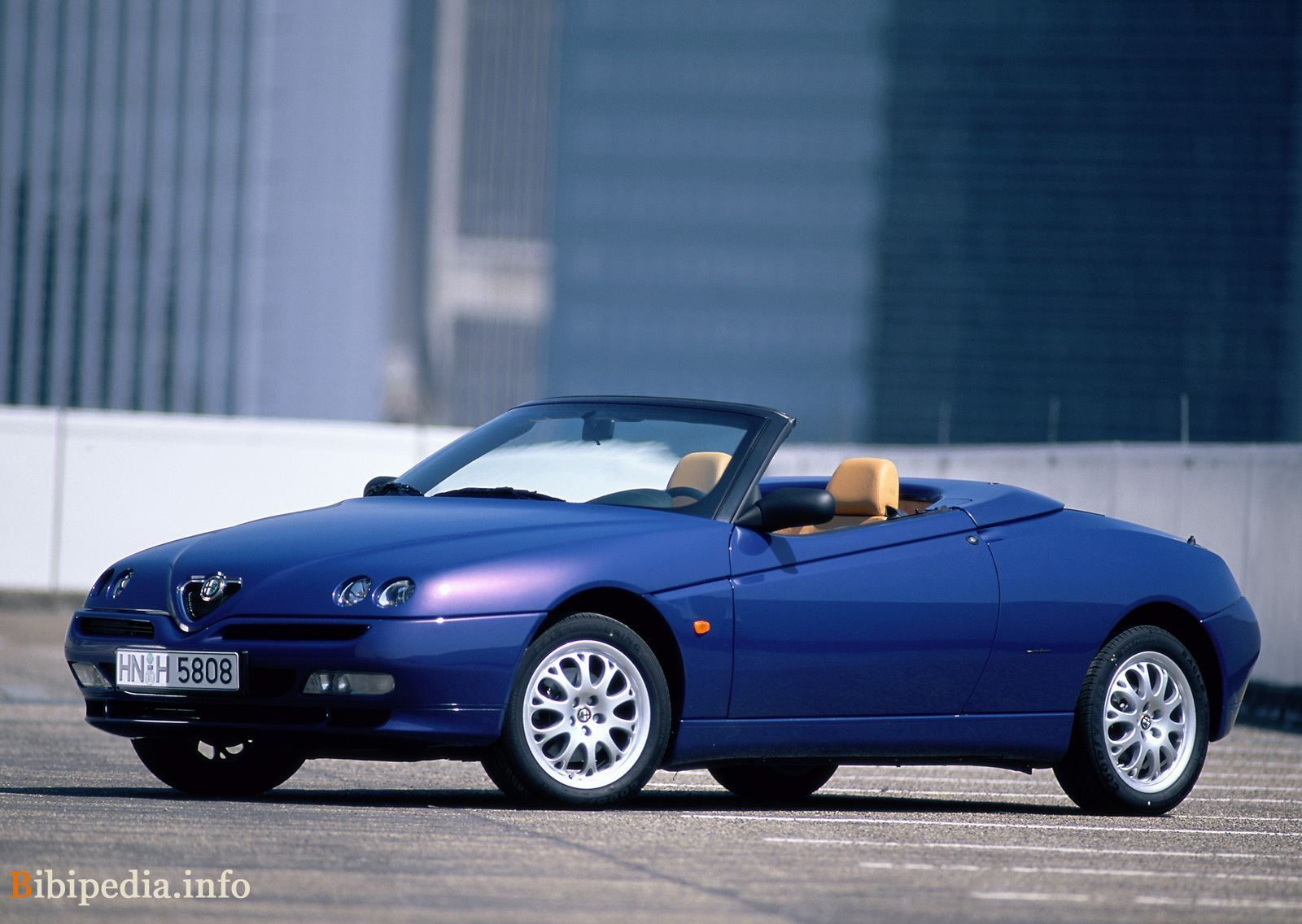2003 Alfa Romeo Spider photo - 1