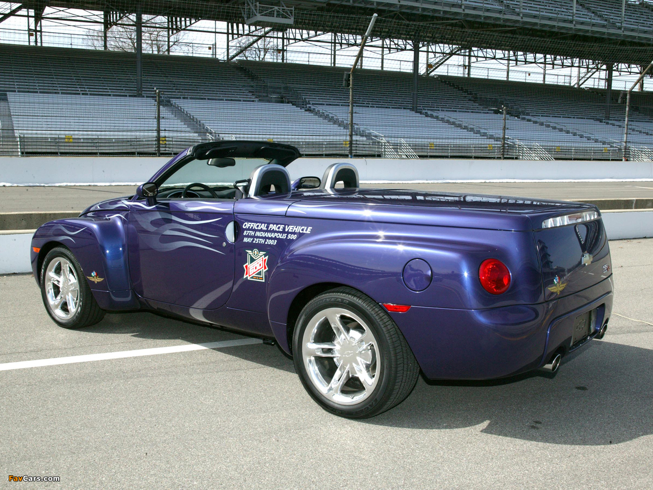 2003 Chevrolet SSR Indy 500 Pace Vehicle photo - 2