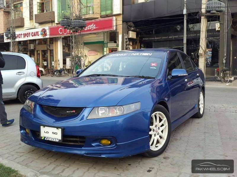 2003 Honda Accord EuroR photo - 3