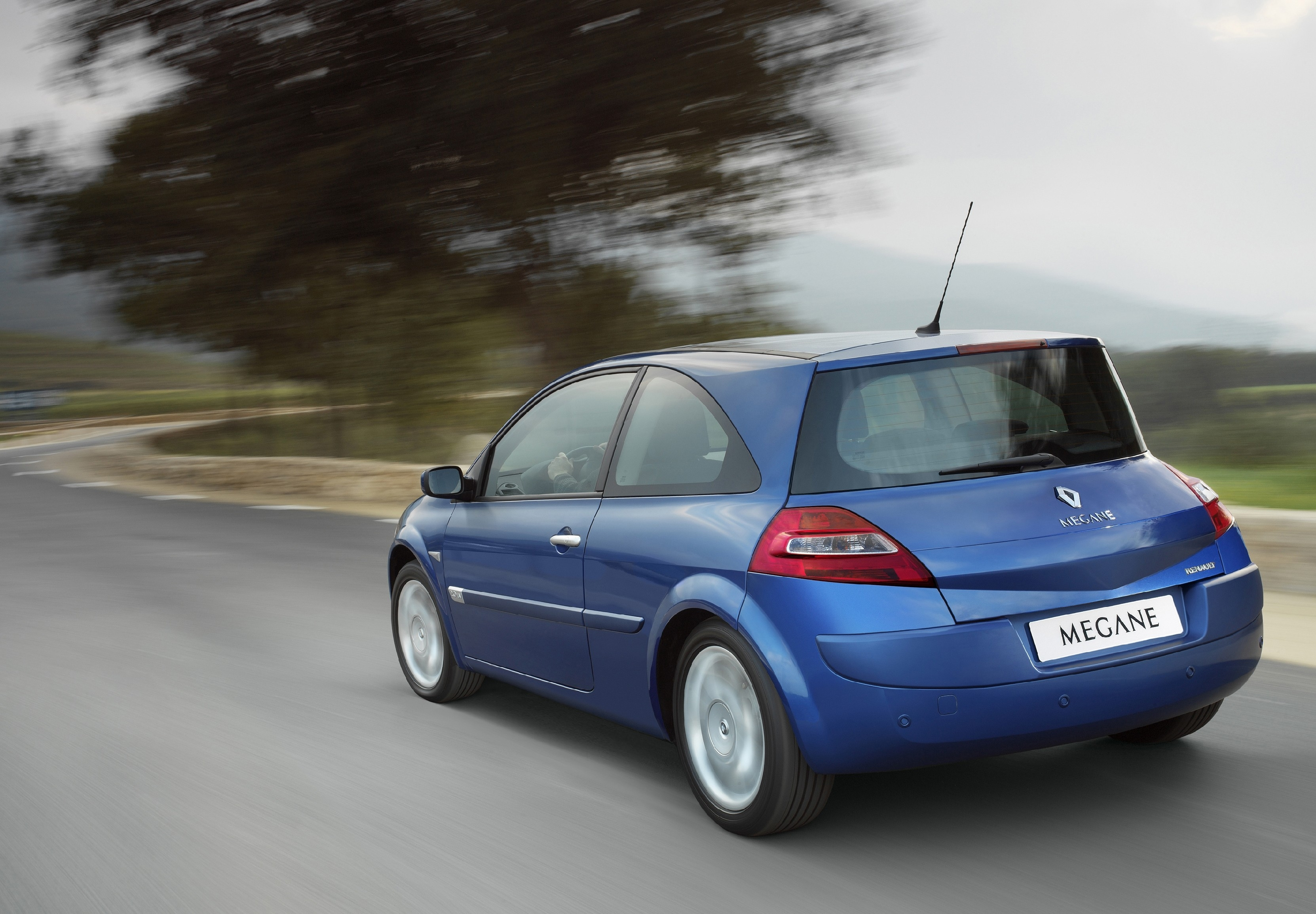 2003 Renault Megane II Sport Hatch photo - 3