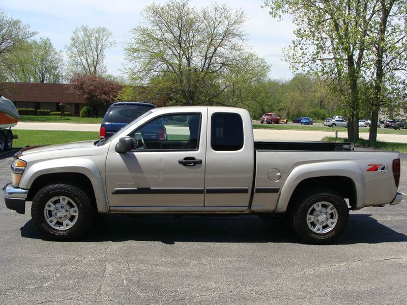 2004 Chevrolet Colorado LS Extended Cab photo - 2