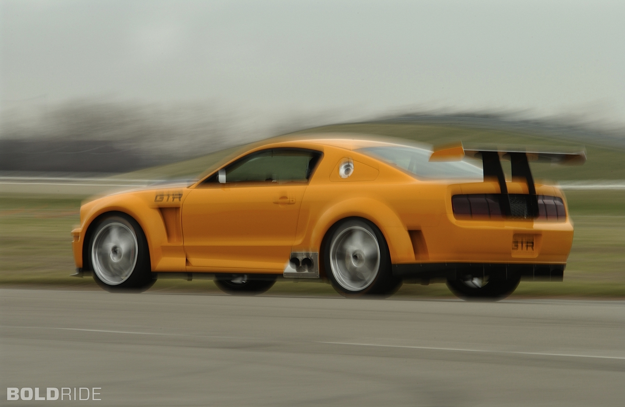 2004 Ford Mustang GTR 40th Anniversary Concept photo - 2