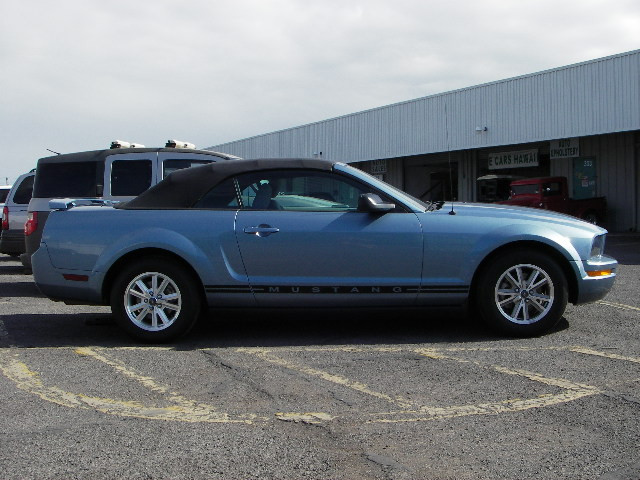 2005 Ford Mustang photo - 1