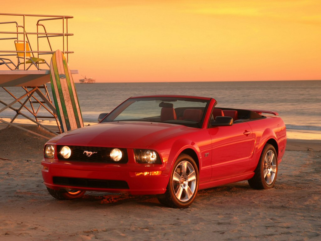 2005 Ford Mustang GT photo - 2