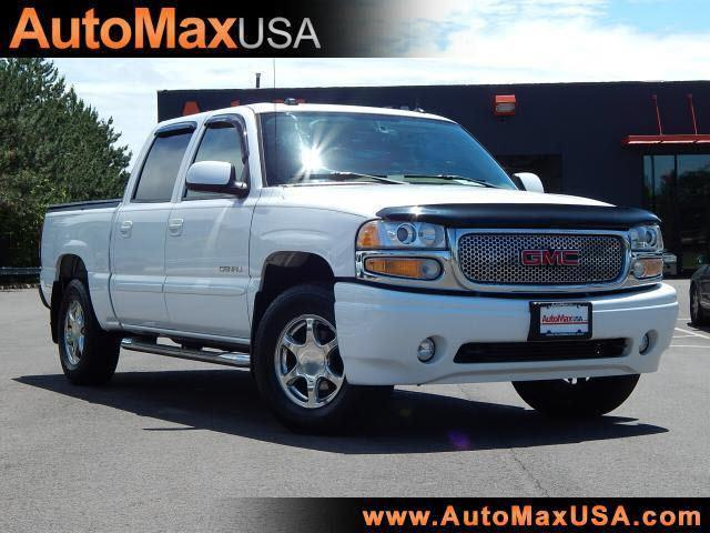 2005 GMC Sierra Denali 1500 Crew Cab photo - 2