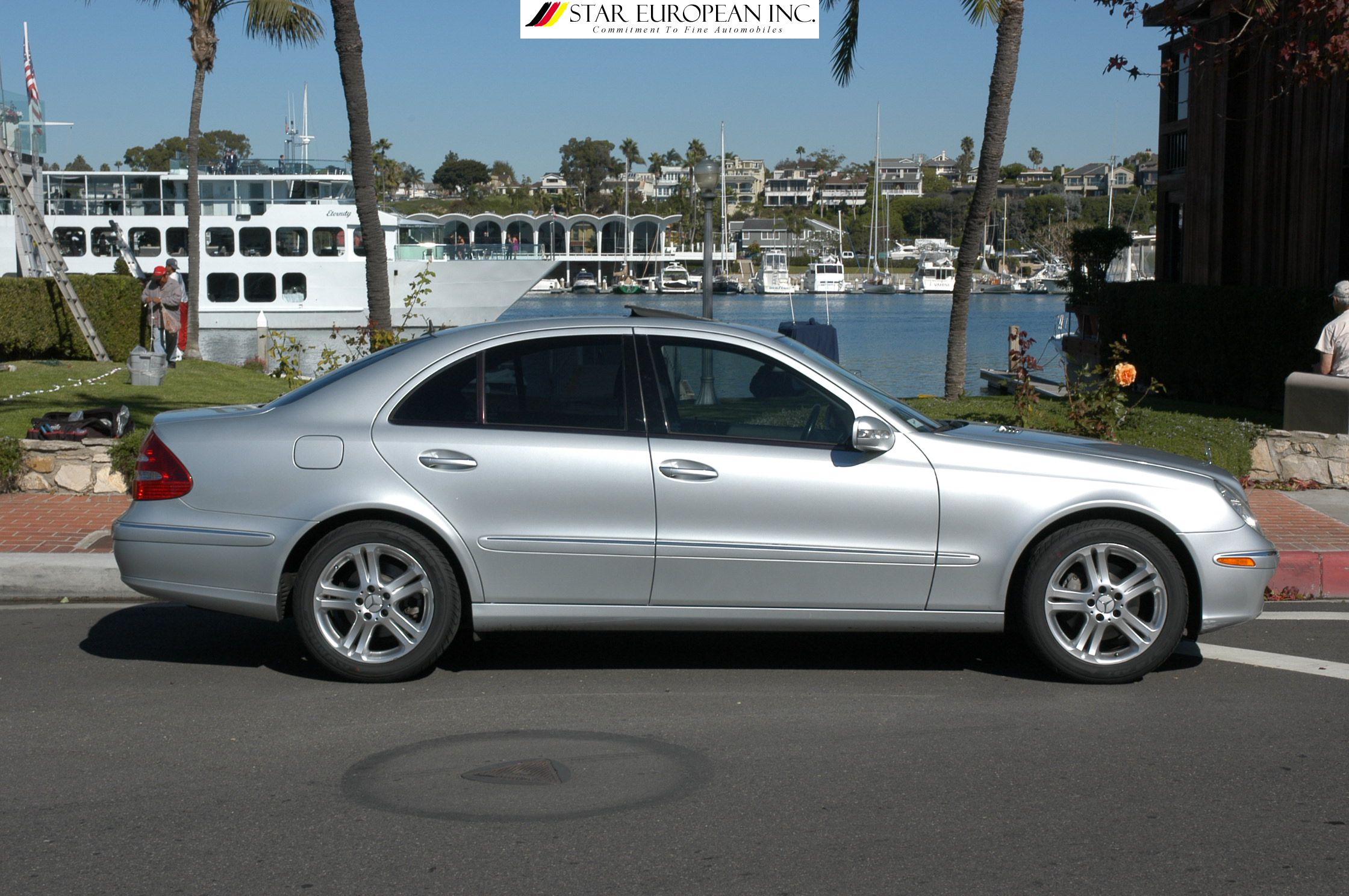 2005 Mercedes Benz E350 with Sports Equipment photo - 3