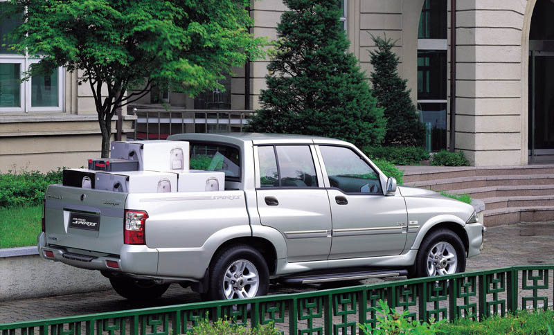 2005 SsangYong Musso Sports photo - 1