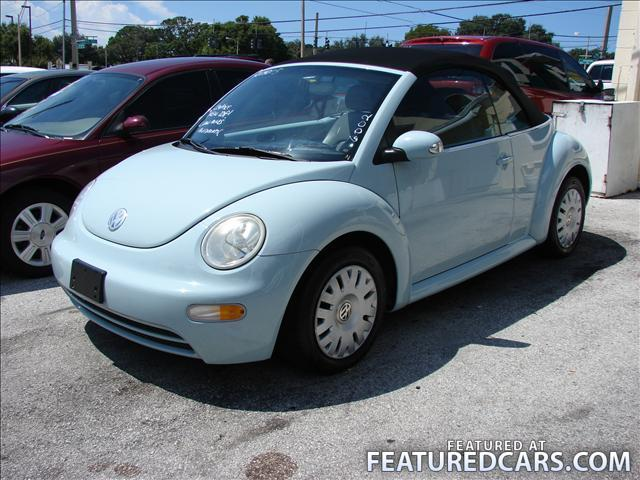2005 Volkswagen New Beetle photo - 1